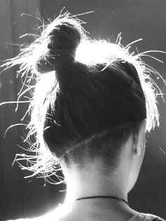 The Stylista: Monday Hair ~ Diagonal Undercut Nape Undercut, Undercut Women, Female Undercut Long Hair, Undercut Girl, Undercut Hairstyles Women, Hair Day, New Hair, Looks Pinterest, Hair Inspiration