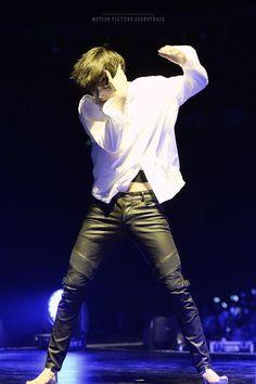 Se tem algo que muda meu dia é ver o Kai dançando, pq eu sei que ele ama dançar e eu amo ver ele fazer o que ele gosta e apreciar todo o talento sublime que ele tem