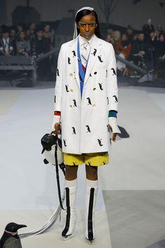 Thom Browne Fall 2017 Ready-to-Wear Collection Photos - Vogue Fashion 2017, New Fashion, Runway Fashion, Fashion Show, Autumn Fashion, Fashion Outfits, Fashion Weeks, Couture Fashion, Vogue Paris