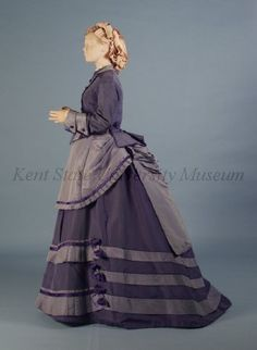 Day dress, ca 1870 Kent State Victorian Gown, Victorian Costume, Victorian Fashion, Vintage Fashion, Historical Costume, Historical Clothing, Vintage Gowns, Vintage Outfits, Belle Epoque