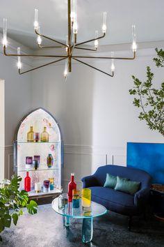 MOONGATA's Modern Interior Design Will Impress You | Showroom Design. Interior Design Inspiration. #interiordesign #showroom Read more: https://www.brabbu.com/en/inspiration-and-ideas/trends/moongatas-modern-interior-design-impress