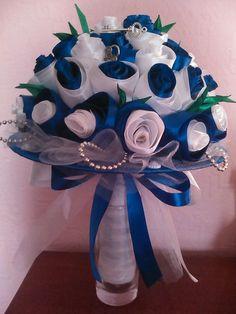 Одноклассники Flowers Last Longer, Ribbon Rose, Diy Bouquet, Fabric Flowers, Wedding Bouquets, Cinderella, Satin, Wreaths, Decoration