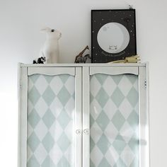 Ferm Living harlequin wallpaper & painted cabinet Baby Bedroom, Kids Bedroom, Harlequin Wallpaper, Deco Kids, Vintage Nursery, Kids Room Design, Painting Cabinets, Fashion Room, Unisex Baby