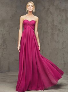 Long dress and maid of honor Brudtärna klänningar 2016 Bridesmade Dresses, Red Bridesmaid Dresses, Strapless Dress Formal, Prom Dresses, Lovely Dresses, Beautiful Gowns, Elegant Dresses, Elegant Cocktail Dress, Long Cocktail Dress