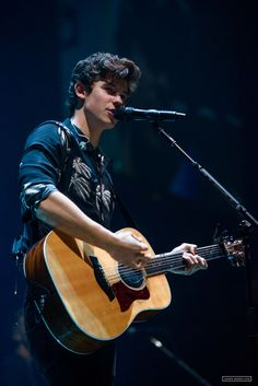 Most viewed - 009 - Shawn Mendes Live! Zac Efron, Shawn Mendes 3, Fangirl, Chon Mendes, Mendes Army, Shawn Mendes Wallpaper, Magcon, Pop Singers, Celebs