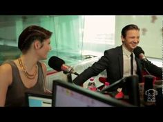 Hansel and Gretel's Jeremy Renner and Gemma Arterton in Smallzy's Surgery...what i love about this video- Jeremy Renner, his answer is one direction, the fact he doesn't know taylor swifts music and the australian accent