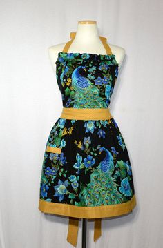 This is a really nice apron will give you plasure of cooking.The apron makes a great gift for any woman will fit most teens and adults. The neck tie can be knotted to make smaller. Emperors New Clothes, Mothers Day Presents, New Outfits, No Frills, Really Cool Stuff, Peacocks, Great Gifts, Summer Dresses, Knitting