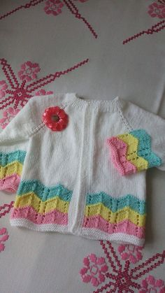 This Pin was discovered by Emi Baby Boy Sweater, Knit Baby Sweaters, Baby Vest, Baby Cardigan, Crochet Blanket Patterns, Baby Knitting Patterns, Baby Blanket Crochet, Baby Patterns, Crochet Baby