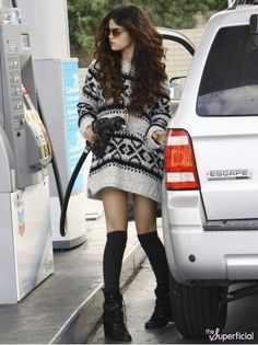 Salena Gomez a Sexy and Hot Pop Star  is searching for Fuel with her car.   #SalenaGomez #Car #Sexy #Hot