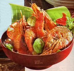 Gulai belacan one of the typical dishes of Riau, goulash is made with belacan or shrimp paste sauce mixture. The material is usually put on shrimp or fish.