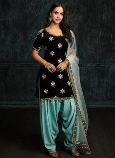 A punjabi girl is incomplete without punjabi suit and shine. So get your beautif… A punjabi girl is incomplete without punjabi suit and shine. So get your beautiful customized punjabi outfits from nivetas design studio… Punjabi Girls, Punjabi Dress, Pakistani Dresses, Indian Dresses, Indian Outfits, Shadi Dresses, Eid Outfits, Bridal Outfits, Patiala Salwar Suits