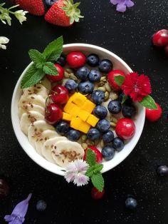 Porridge + Berry Bowl