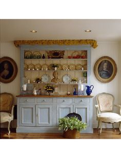 French Blue with white planked backing buffet and dish display for your kitchen dining enjoyment (the beauty of the dish displayed). When Codys builds me a new kitchen :) New Kitchen, Kitchen Dining, Kitchen Ideas, Swedish Cottage, Dish Display, Swedish Design, Diy Projects To Try, Fixer Upper, China Cabinet