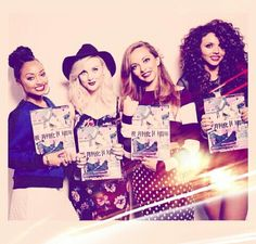 The girls in Japan!! :) they are so gorgeous it's not even funny