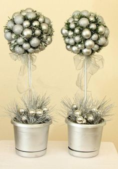 Silver Christmas Magic Topiary Tree // Topiary by WeLoveWreaths Silver Christmas, Noel Christmas, All Things Christmas, Christmas Projects, Christmas Crafts, Christmas Ornaments, Topiary Centerpieces, Christmas Topiary, Sweet Trees