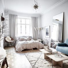 fabulous studio apartment decor ideas on a budget fantastic and stylish studio apartment decorating ideas Apartmentgardening Fantastic and stylish studio apartment decoration ideas Apartmentgardening a . Apartment Interior, Apartment Inspiration, Interior Design Bedroom, Apartment Room, Apartment Decor, Small Apartment Decorating, Apartment Design, Bedroom Design, Apartment Interior Design