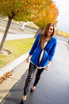 Cobalt Tuxedo Blazer + Leather Leggings = Effortless Maternity Look! @Isabella Oliver Maternity #maternity #pregnancy #fashion
