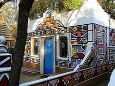 The experience of culture is cool and the buffet they feed you is straight out of the bush. Crazy Houses, Weird Houses, African House, Colorful Apartment, Africa Art, Weird And Wonderful, Wonderful Things, House Painting, South Africa