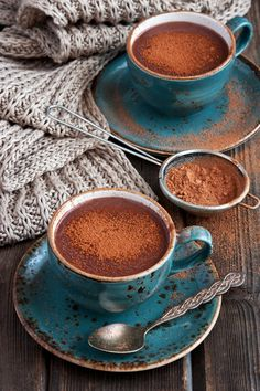 Call it love at first taste: healthy hot chocolate. Cacao bliss!