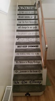 Disney Stairs The Effective Pictures We Offer You About Disney Home Decor diy A quality picture can Casa Disney, Disney Love, Disney Disney, Disney Ideas, Funny Disney Memes, Disney Quotes, Disney Stairs, Deco Harry Potter, Disney Home Decor