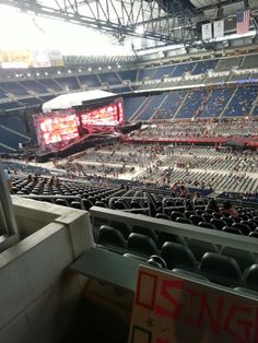 Did anyone else go to the 1D concert in Detroit? It was amaZAYN