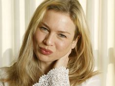 RENEE ZELLWEGER - The best of the actor. Watch videos and movies.