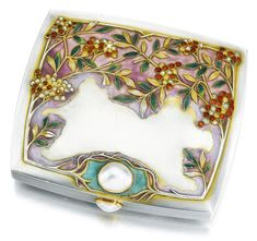 smoking accessories/cigarette case ||| sotheby's A jewelled silver and enamel cigarette case, Bolin, Moscow, 1899-1908