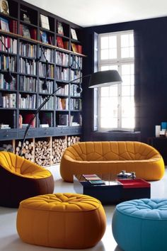 Luxury living room by Ligne Roset. http://www.ligne-roset.de/home.php
