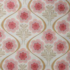 Seventies vintage wallpaper - 50 cm. via Etsy
