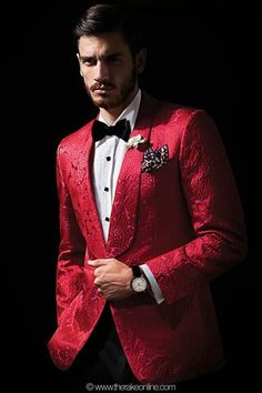 Red Dinner Jacket by Rake Gentleman Mode, Dapper Gentleman, Dapper Men, Gentleman Style, Best Suits For Men, Cool Suits, Mens Suits, Stylish Men, Men Casual