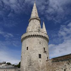 This is the Lantern Tower in #LaRochelle #France (12th and 15th century). A multipurpose building in the middle ages firstly it was in charge of the control and disarmament of all ships entering the port but it was also the central watchtower for the Aunis coastline and was both a lighthouse and maritime navigation landmark. In the 16th century the Lantern Tower became a prison firstly for priests. Then until the 19th century it held English prisoners captured from their ships and in the…