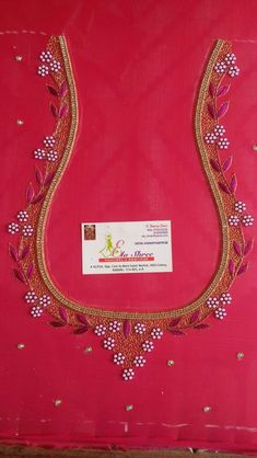 Latest Embroidery Designs, Hand Embroidery Design Patterns, Hand Work Embroidery, Designer Blouse Patterns, Aari Embroidery, Blouse Designs Catalogue, Best Blouse Designs, Simple Blouse Designs, Hand Work Blouse Design