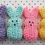 Ravelry: Easter Marshmallow Bunnies pattern by Doni Speigle ウサギ amigurumi Easter Crochet Patterns, Crochet Bunny Pattern, Crochet Motifs, Cute Crochet, Amigurumi Patterns, Crochet Yarn, Crochet Toys, Crochet Rabbit, Learn Crochet