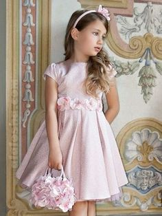 Simple design with embellishments Little Dresses, Little Girl Dresses, Cute Dresses, Beautiful Dresses, Girls Dresses, Fashion Kids, Little Girl Fashion, Flower Girls, Flower Girl Dresses