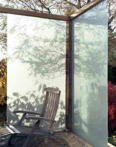 Landscape Architect Visit: A Deck That Glows Like a Lightbox, by Joel Loblaw - Gardenista Landscape Stairs, Landscape Design, Garden Design, Toronto Gardens, Outdoor Lighting, Outdoor Decor, Outdoor Dining, Dining Area, Fence Screening