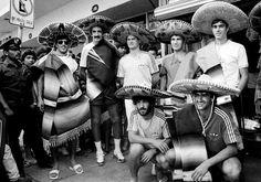 Mexicanos. Foi no Mundial de 1986 que o futebol deu um passo significativo para a globalização, para a mediatização, e passou a ser, de forma irreversível, um negócio. Mas os jogadores, no centro de tudo, recebiam uma fatia pequena desse novo bolo