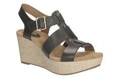 Caslynn Reece Black Leather Womens Casual Sandals Caslynn Reece womens black leather sandals – these beautiful platform wedge sandals offer elegance and perfect foot support for great summer FUN and comfort. Caslynn Reece sandals have an adjustable strap and 8cm wedge heel and are perfect for a days shopping with friends or a summer evening party. These platform wedge shoes can be worn with fitted crop trousers or a long flowing dress. Variant Price €99.95
