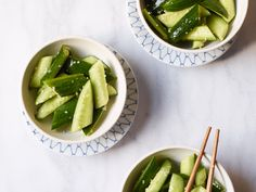 Homestyle Cucumber Salad with Garlic Recipe - Kian Lam Kho Vegetable Sides, Vegetable Salad, Vegetable Recipes, Vegetarian Recipes, Cooking Recipes, Healthy Recipes, Salad Recipes, Delicious Recipes, Vegetarian Cooking