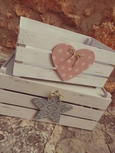 Easy Crafts, Diy And Crafts, Craft Projects, Projects To Try, Decoupage Vintage, Wooden Crates, Wood Boxes, Wood Crafts, Decorative Boxes