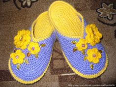 super nice slippers with thick sole - free crochet diagrams and pictures for building the slipper!