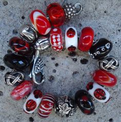 Black / white / red #trollbeads.  LOVE LOVE LOVE the Ladybug UU's!  Such a lucky find~