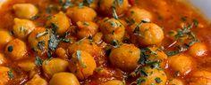 Die Äthiopische Küche ist sehr vielseitig und viele der Gerichte sind vegan. Dazu gehört auch dieser großartige Äthiopische Kichererbseneintopf.