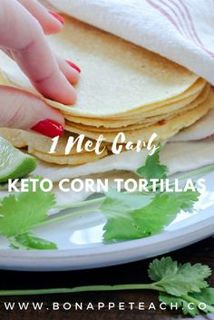 Easy to make low carb and keto corn tortillas. Each tortilla is only one net carb too! Start your keto taco Tuesday off right! Easy to make low carb and keto corn tortillas. Each tortilla is only one net carb too! Start your keto taco Tuesday off right! Low Carb Bread, Keto Bread, Low Carb Keto, Low Carb Recipes, Ketogenic Recipes, Keto Postres, Pain Keto, Keto Diet Side Effects, Keto Tortillas