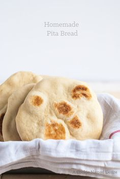 This is a deliciously authentic homemade pita bread recipe you will want to make every day. An incredibly easy no-bake bread you can make anytime! Healthy Bread Recipes, Cooking Recipes, Healthy Food, Homemade Pita Bread, Our Daily Bread, Artisan Bread, Bread Rolls, Dinner Rolls, Sweet Bread