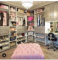 Turn a spare bedroom into a beautiful dressing room beauty room Spare Bedroom, Home, Closet Bedroom, Closet Factory, Closet Vanity, Closet Designs, Closet Decor, Bedroom Decor, Spare Room
