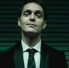 Hello, elegants in this video we will look at the top 5 most elegant actors in la casa de Papel. This video brings you the best stylish actors in la casa de . Netflix Series, Series Movies, Movies And Tv Shows, Tv Series, Berlin Quotes, Paper Houses, Chicago Fire, Peaky Blinders, Best Series