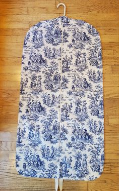 Women's Navy Toile Hanging Garment Bag by CarryItWell on Etsy Rebecca Brown, Etsy Cards, College Gifts, Garment Bags, Navy Women, Grosgrain Ribbon, Cotton Fabric, Pattern, Handmade