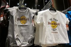 Babies can also rock the shop. Rock 'n' roll style for the young #TrendyHRC