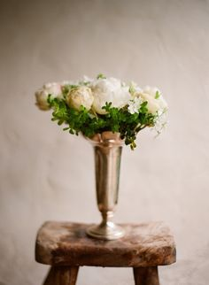 flowers...xoxo http://www.kissthegroom.com