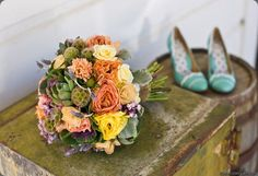 Such elegant wedding colors, colorful without being too bold!